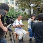 声優さんが栗の収穫に挑戦!テレビ番組の撮影が行われました/小金井