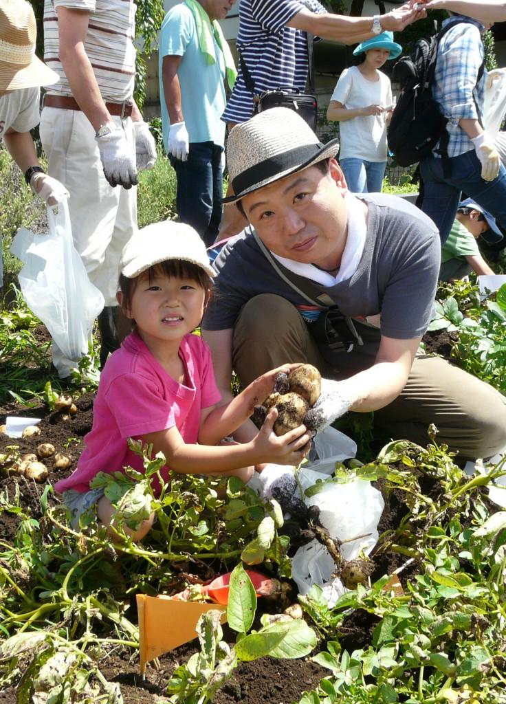 B東京むさし・0628・ジャガイモ収穫体験P1310092