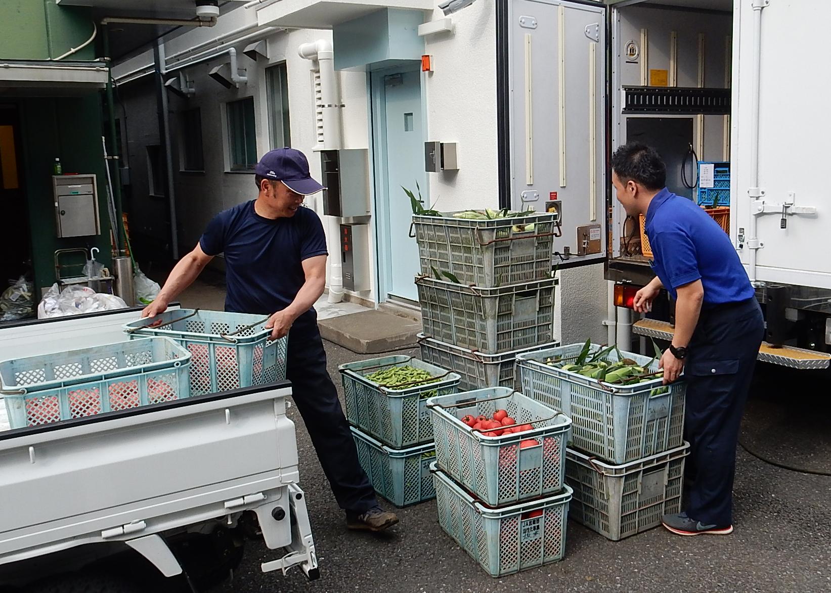 いっぱい食べてね!学校給食へ地場産野菜の納品を強化